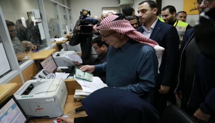 مساعدات نقدية قطرية لـ 100 ألف أسرة فقيرة بغزة