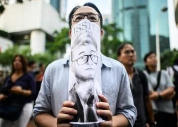 الصين تفرج عن موظف القنصلية البريطانية المحتجز في هونغ كونغ