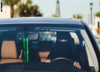 سعودية تشعل تويتر.. قادت سيارتها محتضنة رضيعها (فيديو)