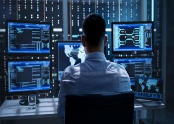 لوب لوغ: الاستبداد الرقمي أكبر خطر يهدد الديمقراطية بالشرق الأوسط