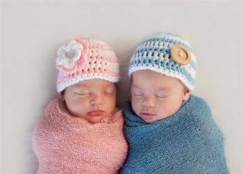 معجزة نادرة.. ولادة توأم يفصل بينهما 11 أسبوعا