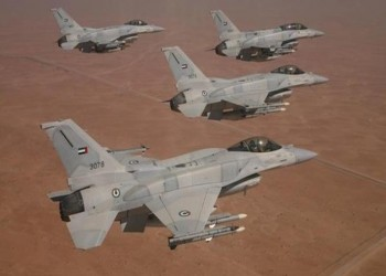 طيران إماراتي يقصف موقعين للجيش اليمني حول عدن