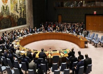 الحكومة اليمنية تطالب بجلسة لمجلس الأمن حول القصف الإماراتي