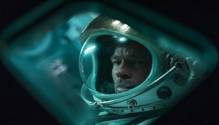 فيلم براد بيت الأخير في الفضاء يقسم النقاد بشدة