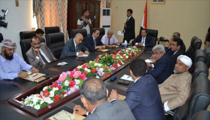 الحكومة اليمنية تطالب بوقف الانحراف الإماراتي عن التحالف العربي