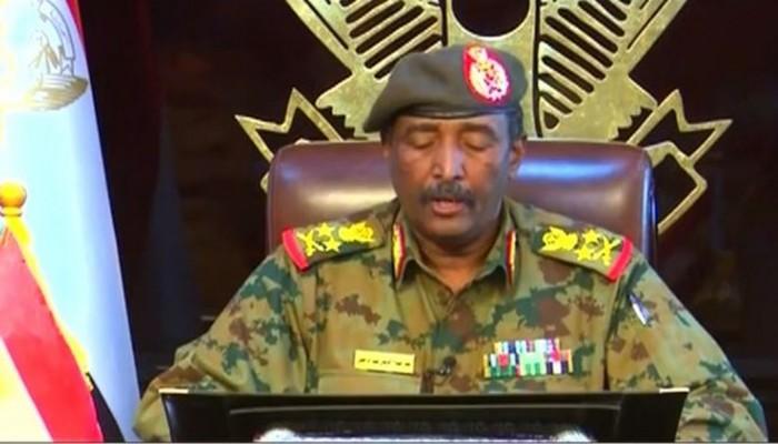 البرهان: القوات المسلحة ستبتعد عن العمل السياسي والاستقطاب
