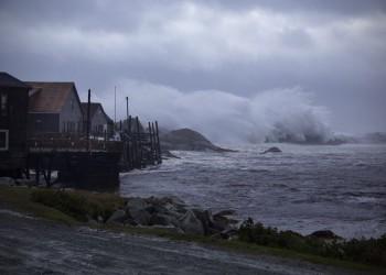غضب هادر.. مشاهد مهيبة للإعصار دوريان