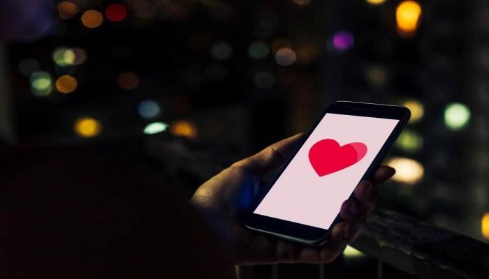 تطبيق المواعدة بفيسبوك سيكشف لك المعجبين السريين من أصدقائك