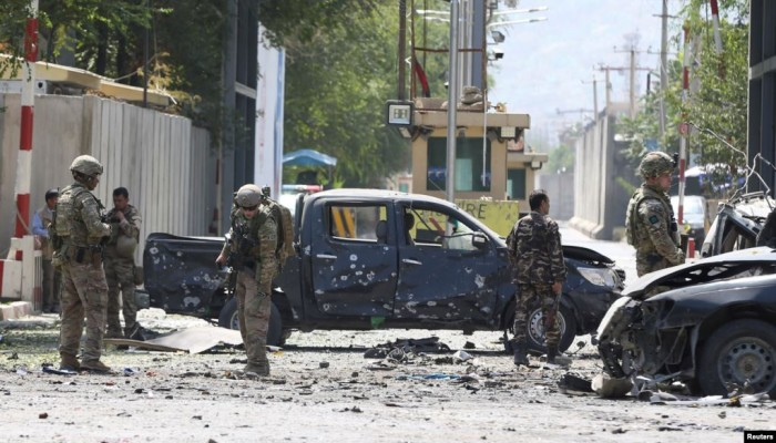 انفجار قرب سفارة أمريكا بأفغانستان