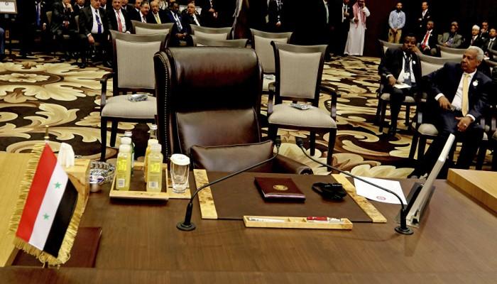 مشاورات للتوافق حول توقيت عودة سوريا للجامعة العربية
