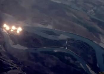 شاهد.. أمريكا تلقي 36 ألف كجم قنابل على جزيرة عراقية