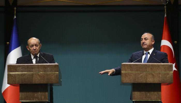 جاويش أوغلو يبحث مع نظيره الفرنسي الملف الليبي