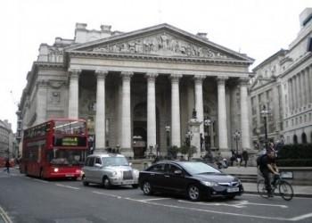 بورصة هونغ كونغ تعرض شراء بورصة لندن بـ 39 مليار دولار