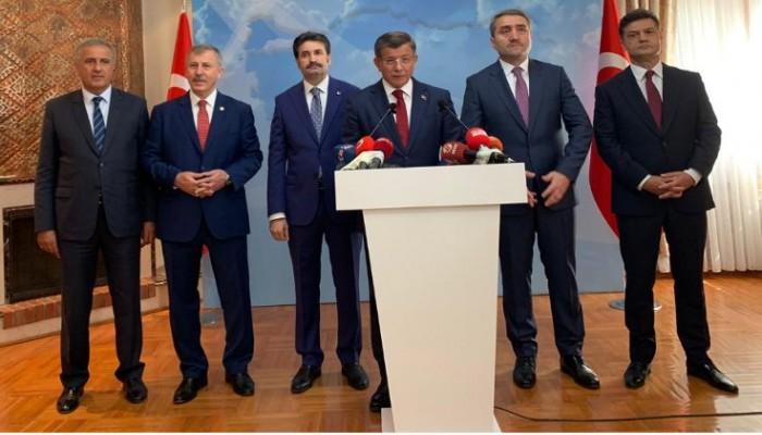 تأكيدا لانفراد الخليج الجديد.. داود أوغلو يستقيل من العدالة والتنمية التركي رسميا