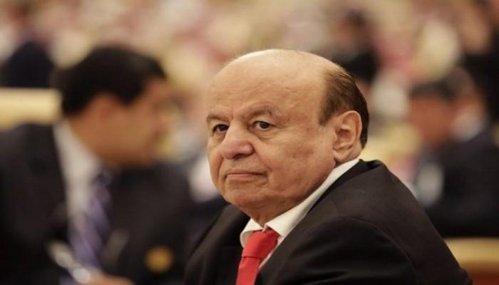 محكمة حوثية تحجز على أموال 70 شخصا بينهم هادي ونائبه