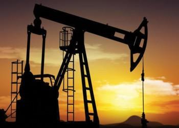 التباطؤ وتوقعات ضعف الطلب يهبطان بأسعار النفط الأسبوعية