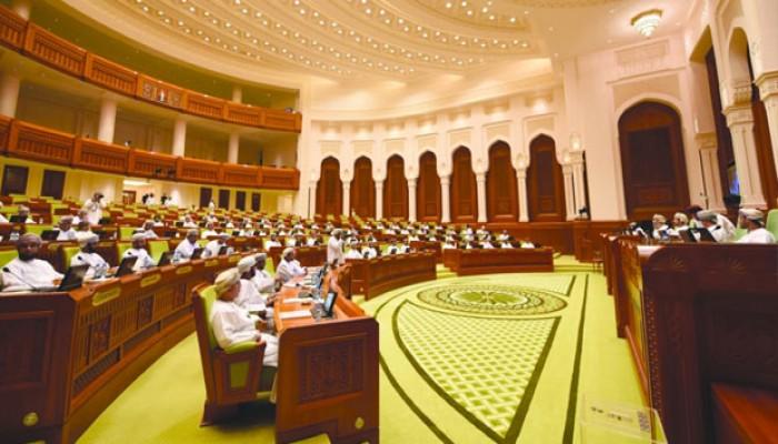 أكثر من 700 ألف ناخب في القوائم الأولية للشورى العماني