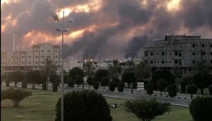 قائد حوثي يهدد: نفط الإمارات ومدنهم الزجاجية ضمن أهدافنا