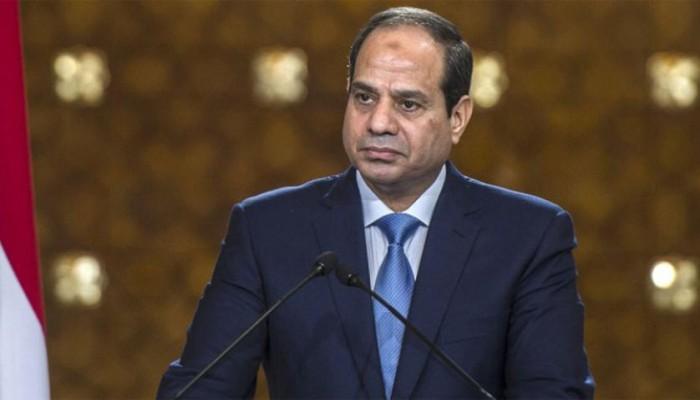 محمد علي يدعو السيسي للتنحي ويتوعده بخروج المصريين الجمعة