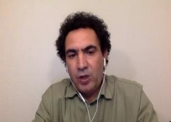 ناشط سيناوي يطالب المصريين بالاحتشاد ضد السيسي.. ويكشف وقائع مفزعة