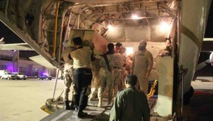 السعودية تنقل جثامين عسكريين قتلوا باليمن بينهم قائد رفيع