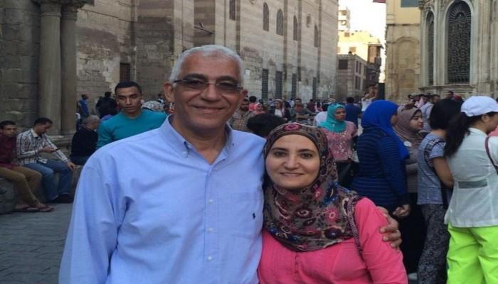 النيابة المصرية تمدد حبس علا القرضاوي 15 يوما