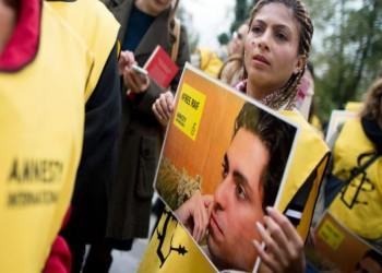 المدون السعودي رائف بدوي ينهي إضرابه عن الطعام