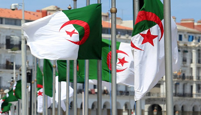 """ما تهدرش باسمي"".. وسم جزائري يدعم الرئاسيات"