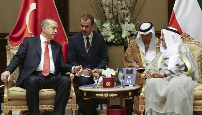 أردوغان والصباح يبحثان العلاقات الثنائية