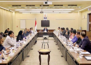 الحكومة اليمنية تنفي عقد لقاء مع الحوثيين في عمان