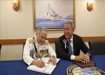 وزير الدفاع التركي يستقبل قائد البحرية الباكستانية بإسطنبول