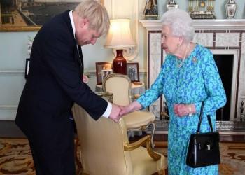 ملكة بريطانيا تسأل: كيف يمكنني عزل رئيس الوزراء؟