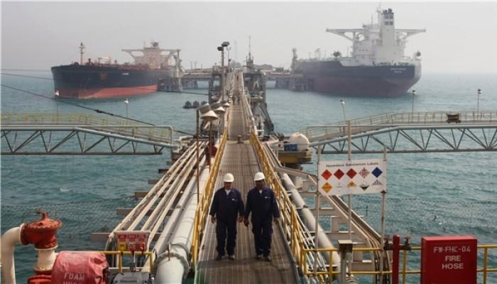 إيران تشرع بتجهيز محطة لتصدير النفط الخام عبر بحر عمان
