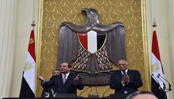 مصر.. أوامر رئاسية بتجميد البرلمان وتكليف الأمن الوطني بتشكيل مجالس جديدة