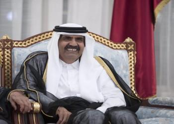 فيديو.. أمير قطر السابق يمازح نجما رياضيا ويذكره بسجنه