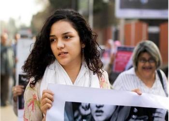 الأمن المصري يعتقل شقيقة علاء عبدالفتاح لرفضها تفتيش هاتفها