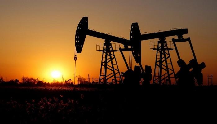 هبوط أسعار النفط من جديد وسط تشاؤم بشأن الاقتصاد العالمي