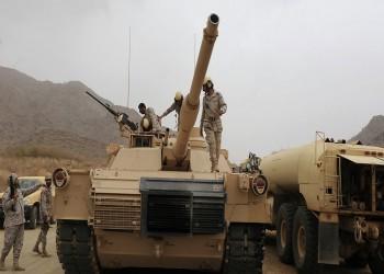 الحوثي ينشر فيديو لمقاتل أسر مدرعة سعودية وسائقها بكلاشينكوف