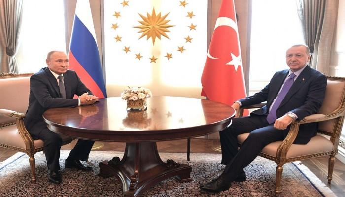 أردوغان يناقش مع بوتين العملية العسكرية التركية بسوريا