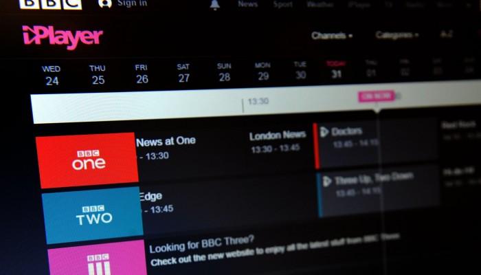 بي بي سي تستعد لمنافسة نتفليكس بتطوير خدمة البث iPlayer
