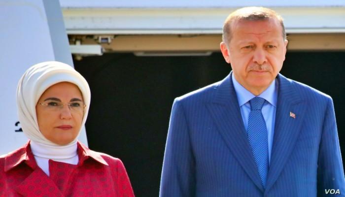 أردوغان يشير لأصول زوجته العربية لدعم عملية نبع السلام