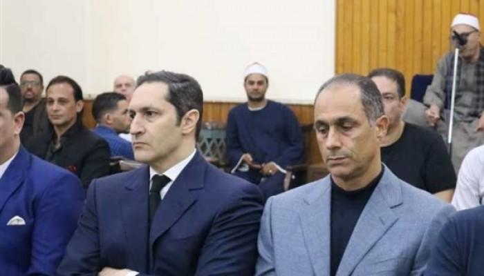 جمال وعلاء مبارك يظهران في عزاء طباخ الرئيس