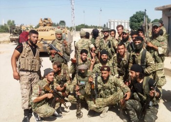 صورة جماعية توثق سيطرة الجيش السوري الحر على رأس العين