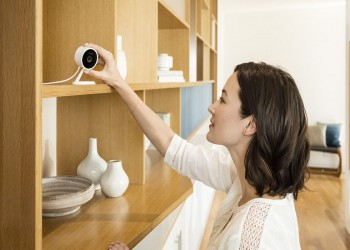 موظفو أبل شاهدوا فيديوهات خاصة من كاميرا مراقبة منزلية