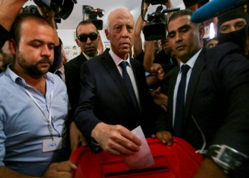 قيس سعيد.. أستاذ القانون داعم الثورة إلى قصر قرطاج