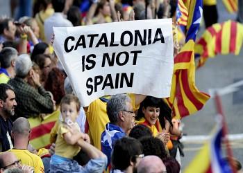 إسبانيا تقضي بسجن 9 زعماء كتالونيين