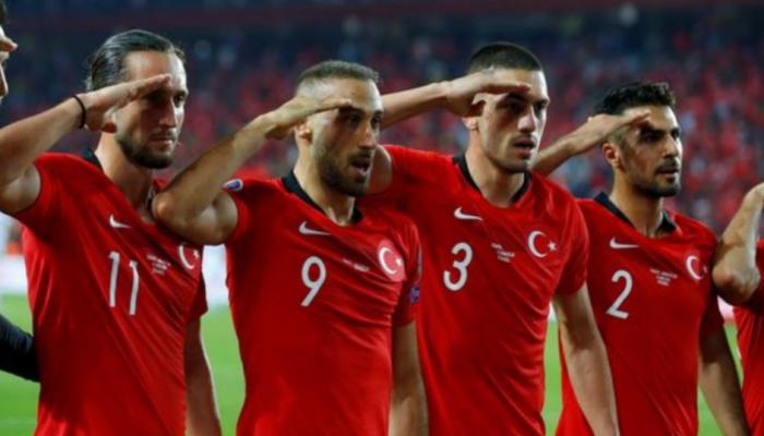المنتخب التركي يواجه شبح العقوبات بسبب نبع السلام