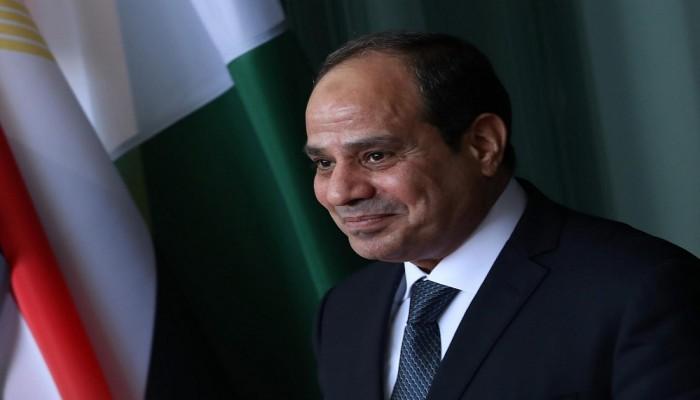 السيسي عرى مصر.. ناشطون يردون على الوصف المهين لبلدهم