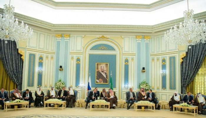 الملك سلمان يثمن أدوار روسيا في المنطقة والعالم