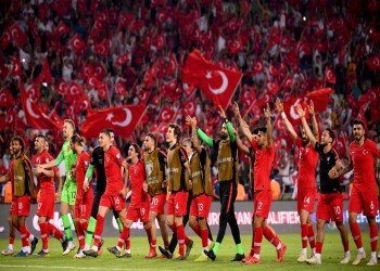 التوتر السياسي يلقي بظلاله على مباراة فرنسا وتركيا